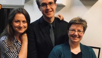 """""""Atsperē"""" saimnieko Ilze Medne un Rūdolfs Vanks, viešņa - vijolniece Elīna Bukša"""