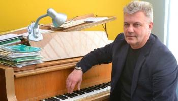 Pianistam, komponistam un pedagogam Aivaram Brokam - 65