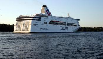 """""""Tallink"""" līniju uz Stokholmu šogad neplāno atjaunot; cerības ir uz Rīga-Helsinki maršrutu"""