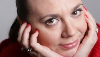 Юлианна Баварска: певцов надо слушать в театре, а не в наушниках