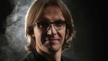 Diriģents Kaspars Putniņš: Mazai kultūrai, kā mūsu, ir jābūt ar vienu kāju pasaulē