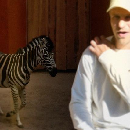 "Ozols sadarbībā ar ZeBreni izdod singlu ""Antidepresanti"""