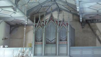 Dievnamu stāsti no Rīgas, Trikātas un Pāvilostas