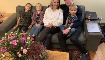 Kinorežisora Jura Kursieša burgeru meistarklase kopā ar dēliem
