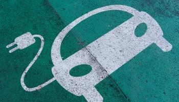 Elektroauto ikdienas lietošanā joprojām atpaliek no iekšdedzes dzinējiem