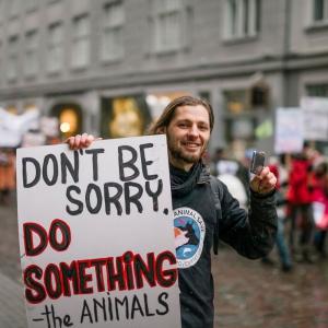 """Dzīvnieku aizstāvis jeb """"zvērināts dzīvnieku advokāts"""" Sandris Ādminis"""