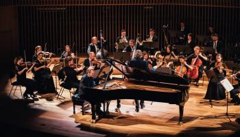 """(Ne)Bēthovens Ventspilī, Alvila Altmaņa mūzika RLB un Reinis Zariņš koncertzālē """"Artissimo"""