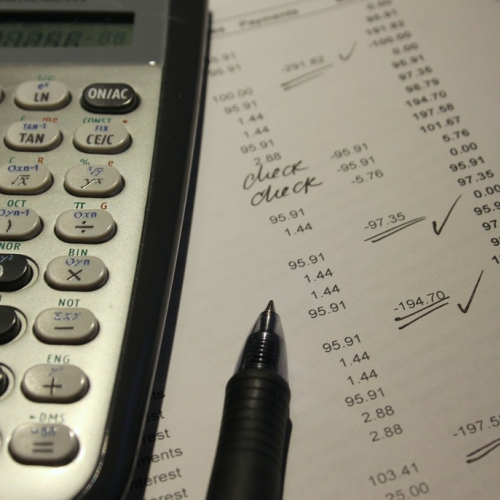 Politiķi, darba devēji un darba ņēmēji nav vienisprātis par mikrouzņēmuma nodokļa izmaiņām